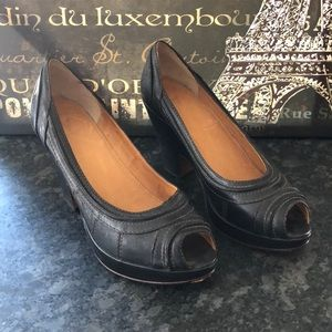Frye Leather Peep Toe Wedge Heels EUC 9